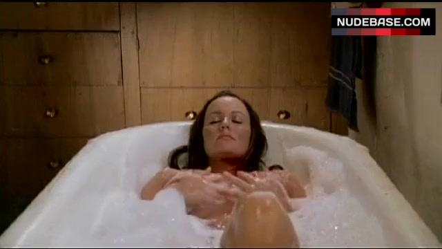 Juliette Clarke  nackt