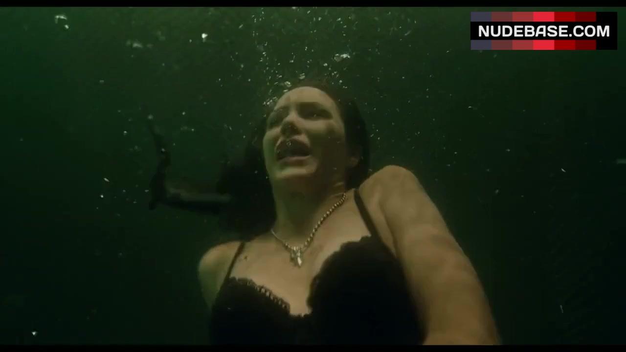 Shark movie nude, interracial amatuer sex pics daughter