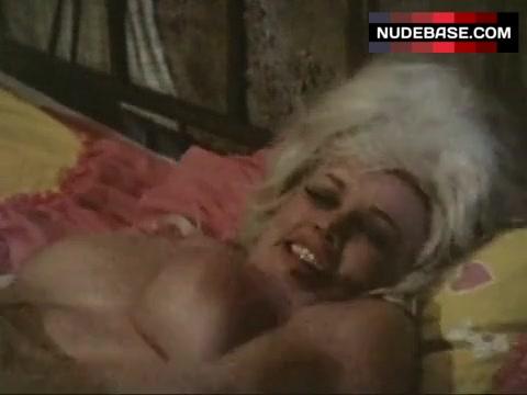 Liz Renay Nude