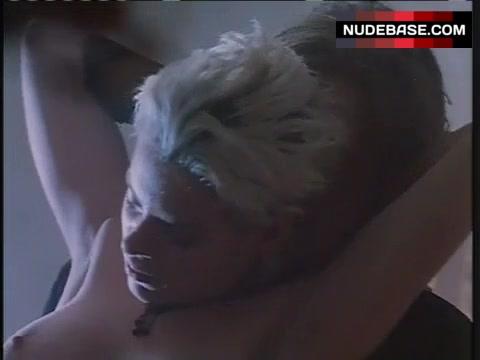 Tara Slone  nackt