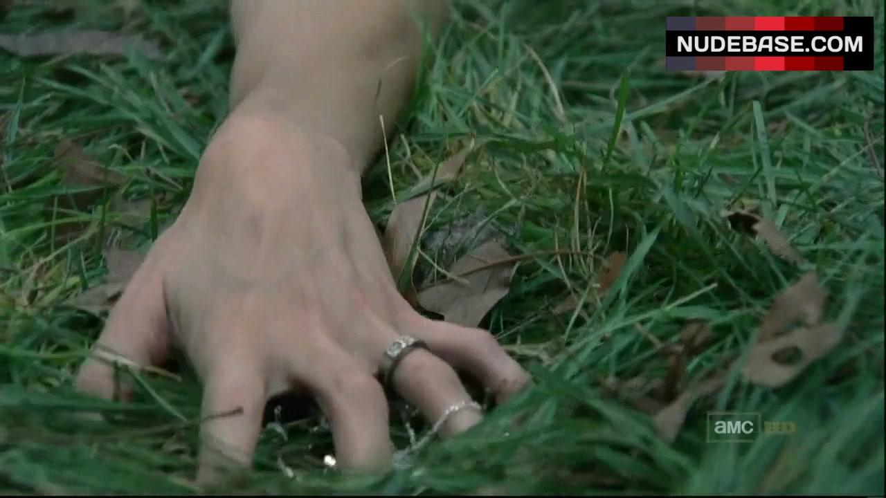 Sarah Wayne Callies Sex On Grass The Walking Dead 059