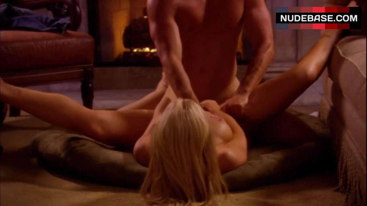 divini-rae-erotic-traveler-video