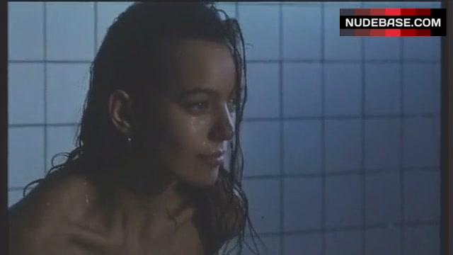 Nackt Laura Dean  rohmerin: Laura