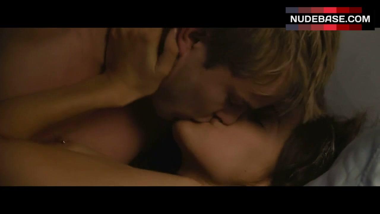 Amanda Crew Topless amanda crew sex scene – crazy kind of love