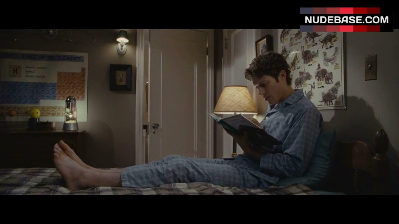 Amanda Crew Topless amanda crew underwear scene – crazy kind of love (0:29