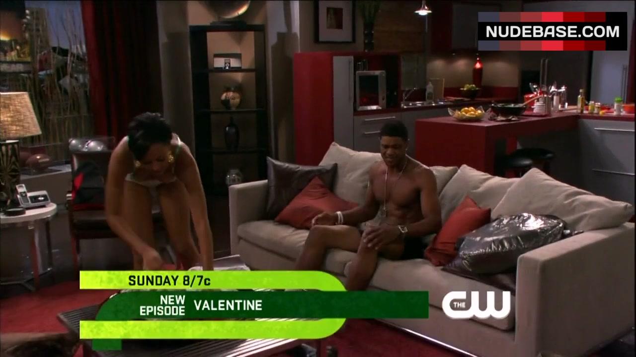 Tia mowry hardrict sex scene
