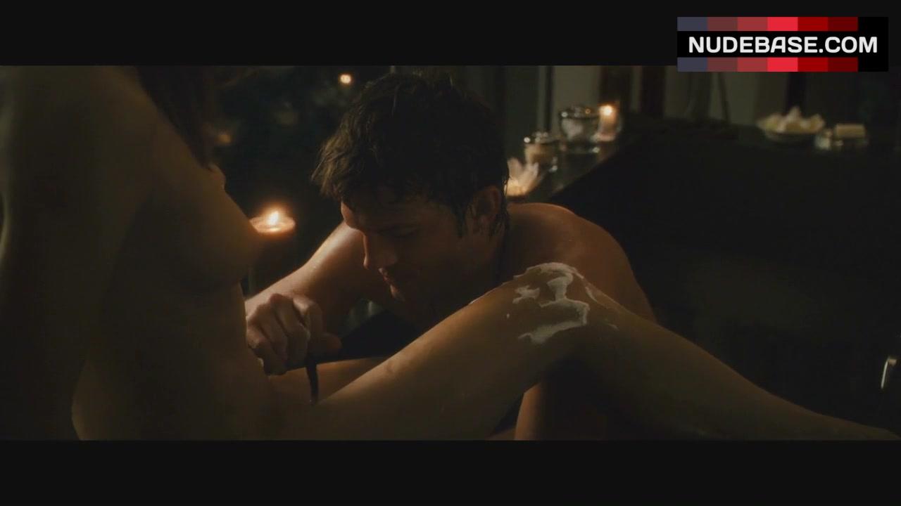 Spread movie nude photos — photo 1