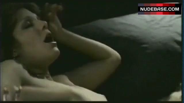 Amandah Reyne  nackt