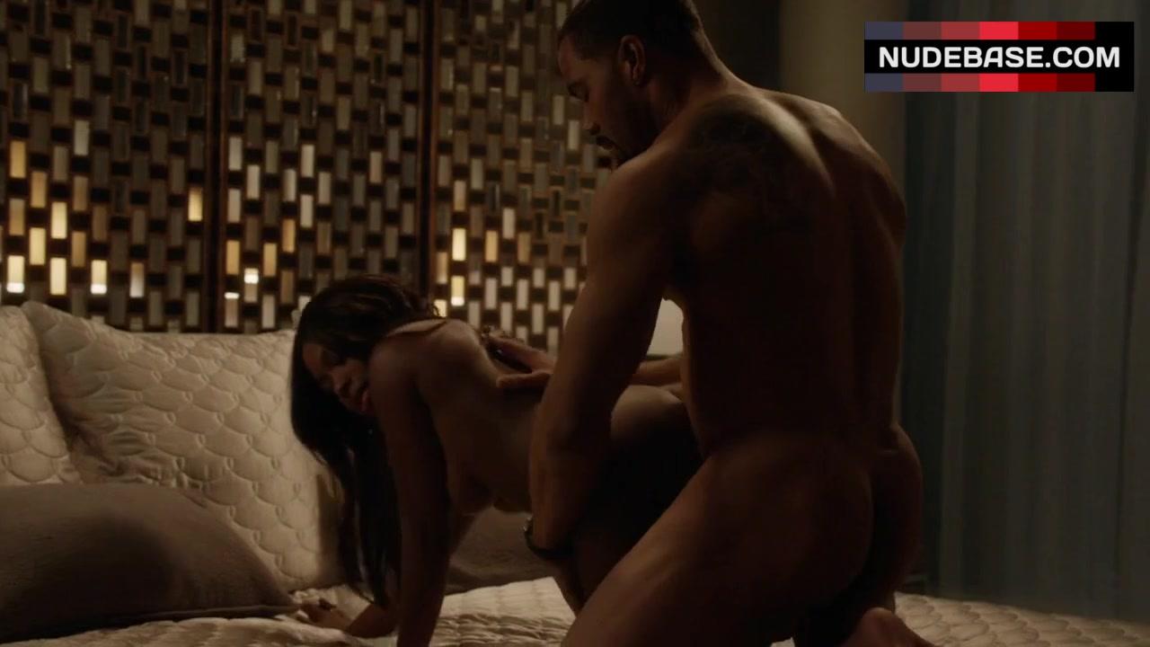 naturi-naughton-sex-scene-sexy-young