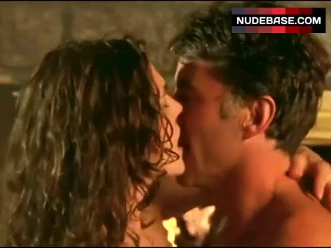 Paige Turco Sex Scene
