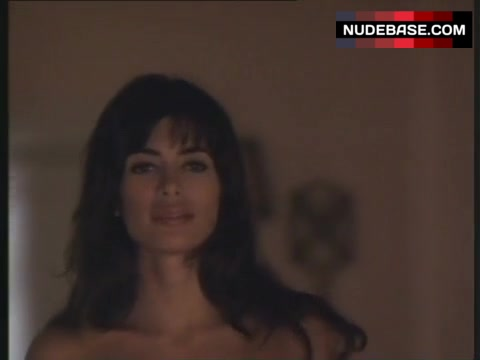 Lisa Barbuscia  nackt