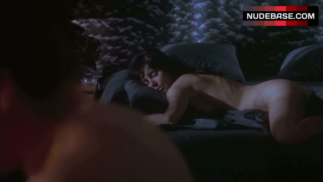 Priscilla Barnes  nackt