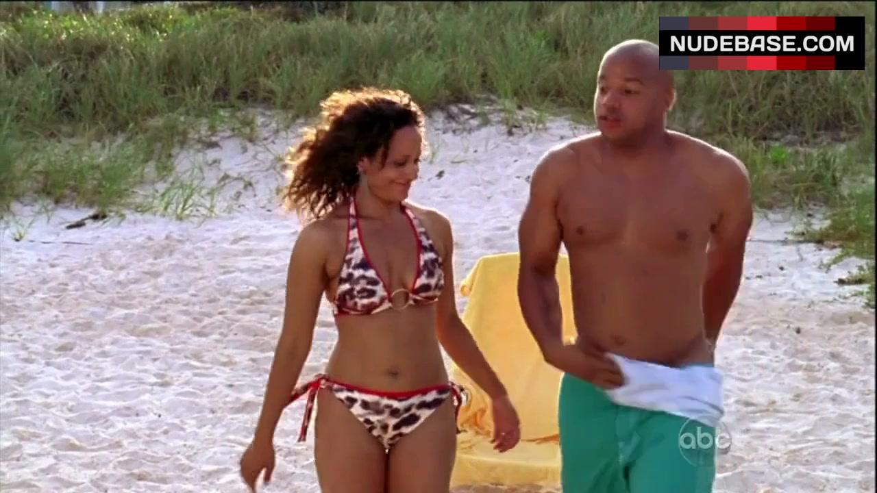 judy-reyes-bikini-pics-scrubs