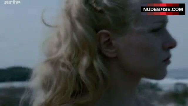 Blanche nackt Veisberg The Chalet