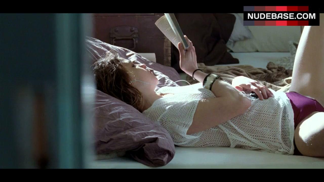 Natalia Tena Nude Boobs And Nipples In Mrs Henderson Presents Picture Scandalplanetcom