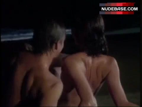 Fontaine nackt Kristen  KRISTEN STEWART