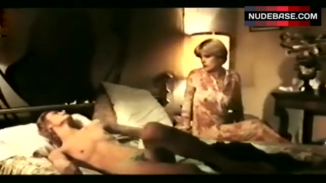 Karin Well  nackt