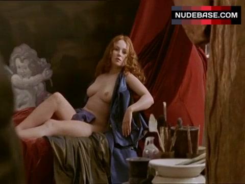Nackt  Emma Pierson 40 Sexy