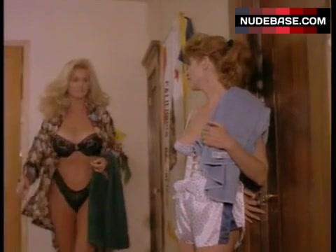 Michelle bauer awz nackt