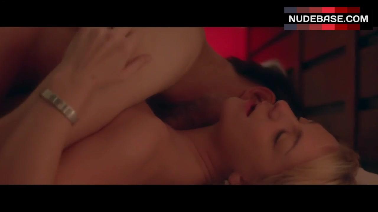 Smith nude sheridan 41 Sexiest