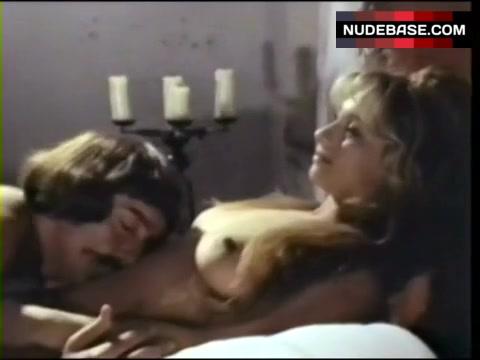 De Santis  nackt Orchidea Nackt scene