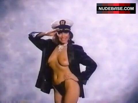 Charlotte J. Helmkamp  nackt