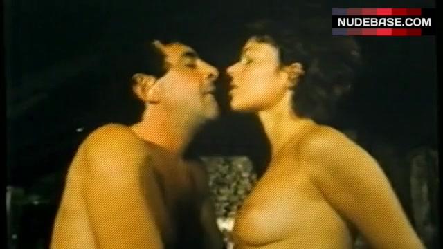 Nackt  Sandra Wey Kriminalstaat