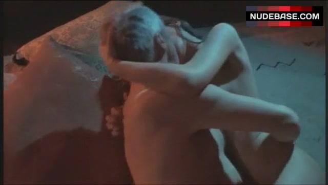 Romen  nackt Susan Emily Deschanel