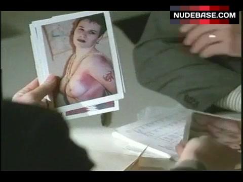 Hanes nackt Elizabeth  Elizabeth Hanes,