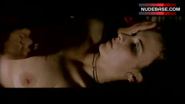 Nackt  Tara Morice In close