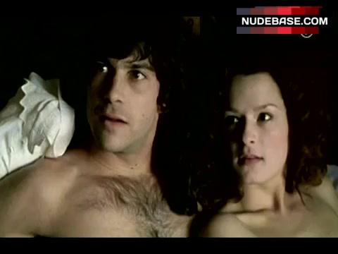 Cass Naumann  nackt