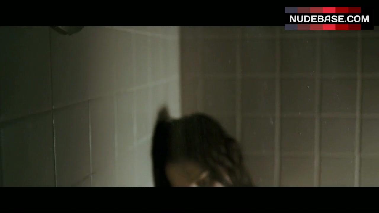 Jessica alba naked shower scene photos — pic 6