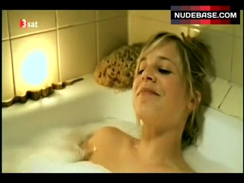 Nackt bernadett heerwagen Bernadette Heerwagen: