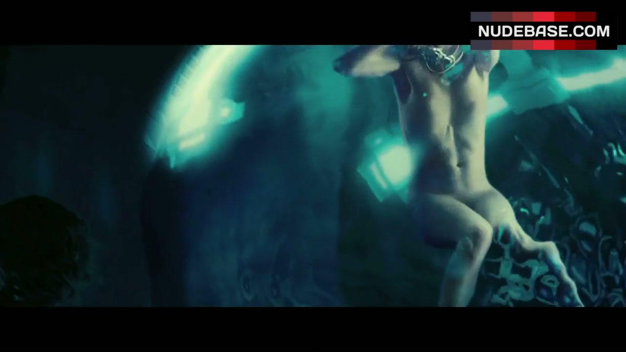 Milla jovovich nude in resident evil