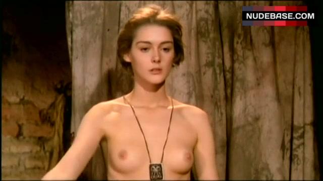 Pezet  nackt Cecilia Fame