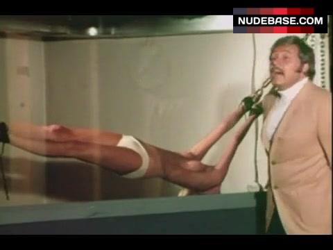 Gerie Bronson  nackt