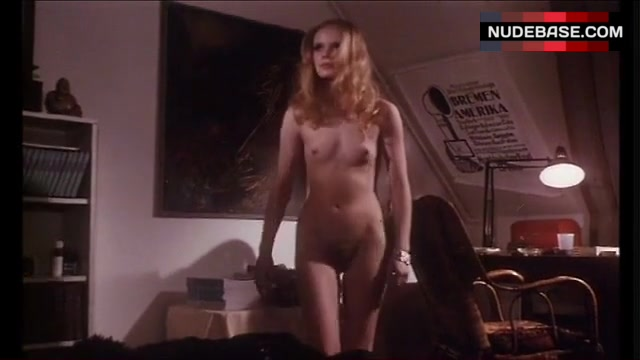 Nackt  Astrid Kilian Nora Tschirner