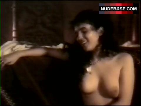 Barilli  nackt Ayanta Ayanta Barilli,
