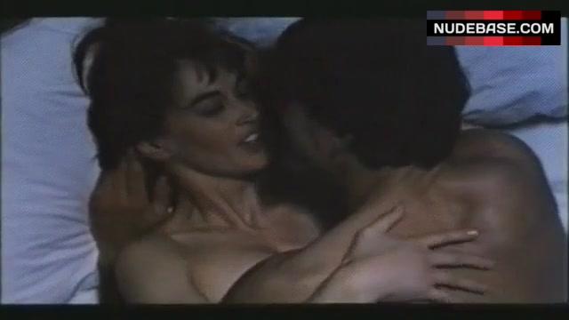 Nude amanda pays Amanda Pays