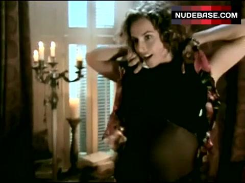 Gina Wilkinson  nackt