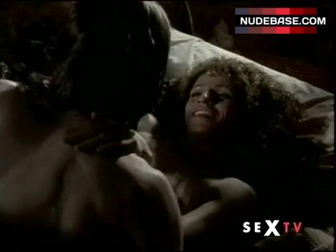 Michelle hurd nude