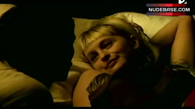 Baehr nackt Caroline  Who is