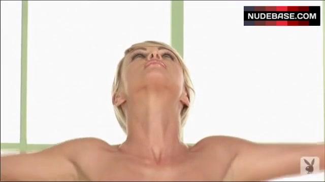 sara jean underwood nude yoga pics