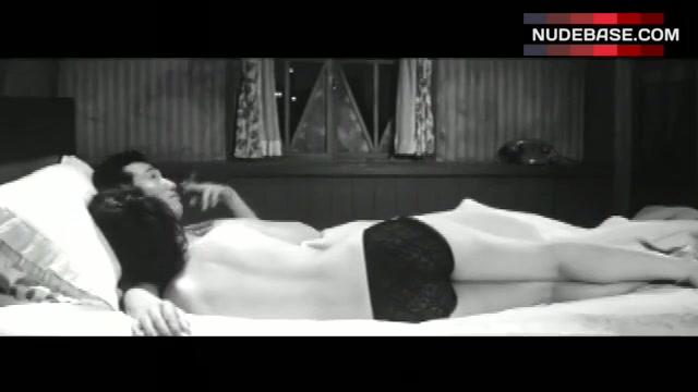 Nackt Mariko Kaga  RareFilmFinder: June