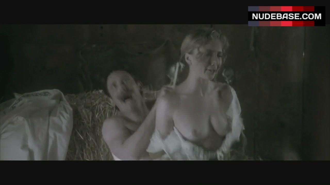 Sarah Figoten  nackt
