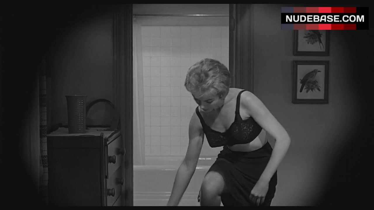 Janet leigh naked in psycho