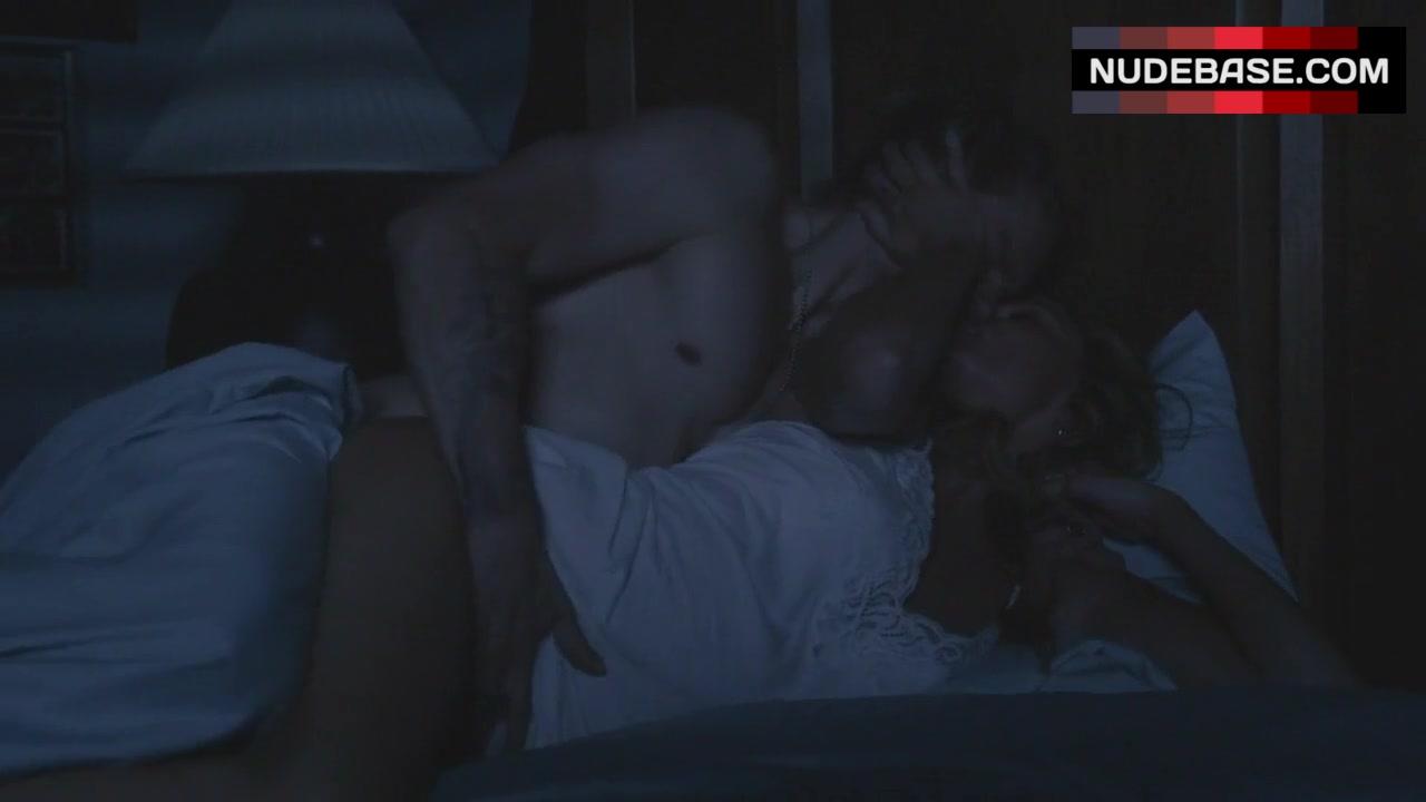 drea-de-matteo-sex-scene